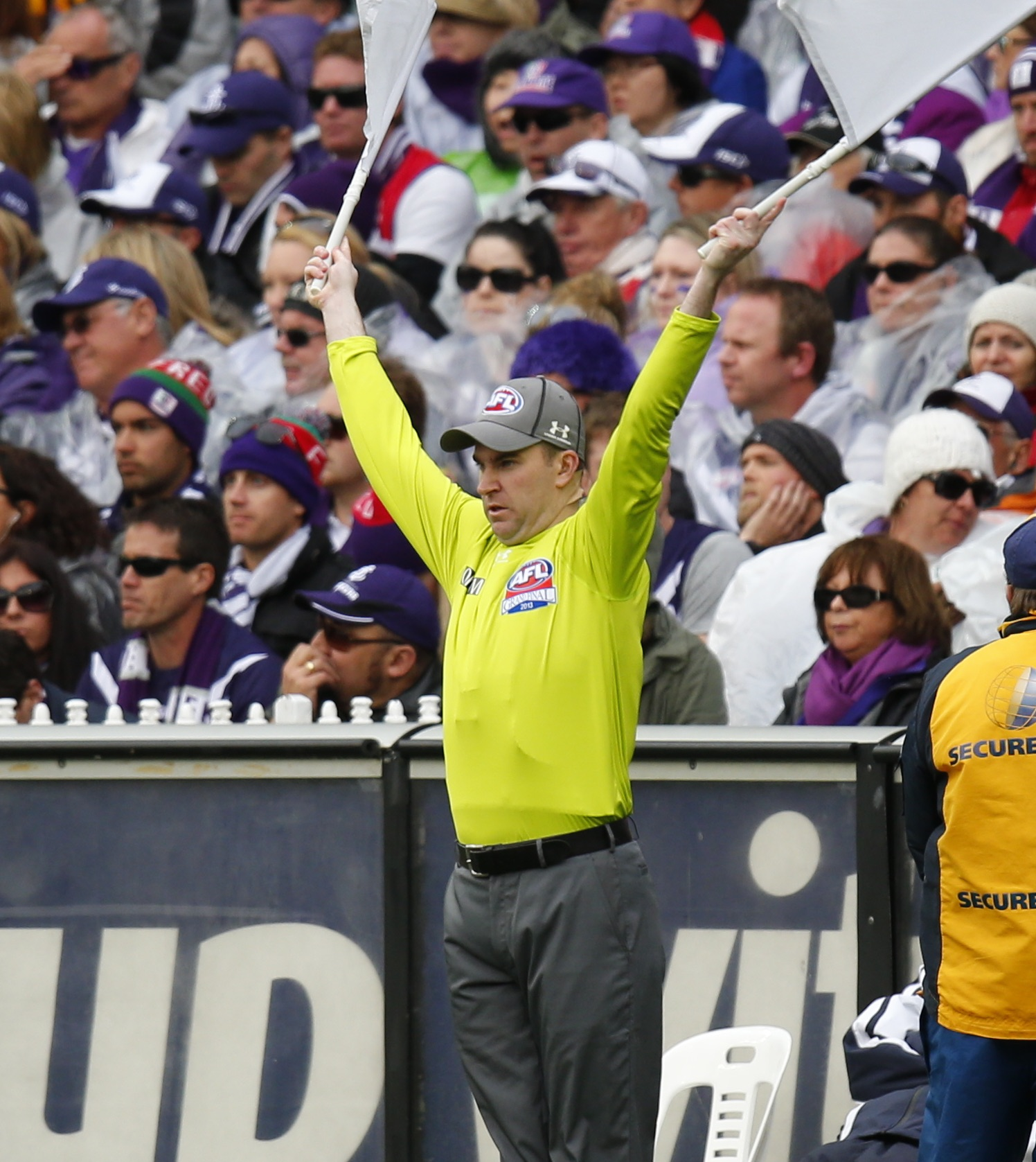 how to become an afl umpire